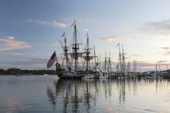 高船Kalmart Nykel靠码头在Chestertown 图库摄影