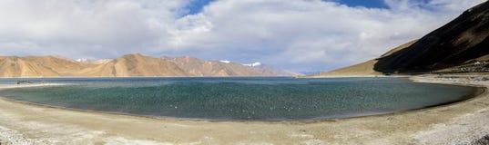 `高草原湖` Pangong湖的班公错藏语 库存照片