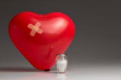 高血压,红色气球心脏 免版税库存图片