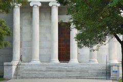 高被吹奏的大理石的柱子 库存图片