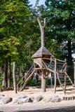 高跷-支柱的木房子 免版税图库摄影
