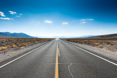 高速公路内华达山脉 库存图片