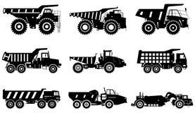 高速公路卡车 套不同的剪影重的采矿机和建筑器材在平的样式在白色背景 皇族释放例证