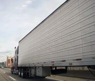 高速公路卡车 免版税库存照片