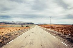 高速公路和天际 库存图片