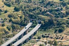 高速公路和隧道 库存图片