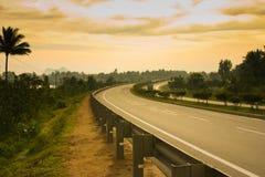 高速公路喜怒无常的场面 库存图片