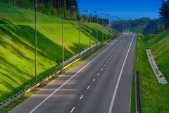 高速公路在峡谷 免版税库存照片