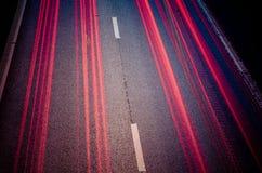 高速公路在晚上 库存照片