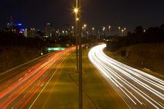 高速公路墨尔本慢晚上的快门 库存图片