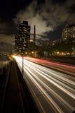 高速公路夜间 免版税库存照片