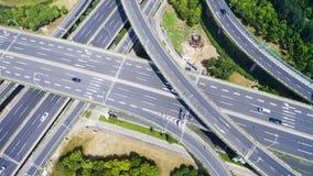 高速公路天桥鸟瞰图  免版税库存照片