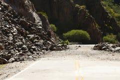 高速公路峭壁岩石崩溃 库存图片