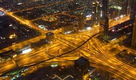 高速公路的一个惊人的看法在街市迪拜阿拉伯联合酋长国 免版税库存照片