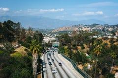 110高速公路的看法从公园行推进桥梁的 免版税库存照片