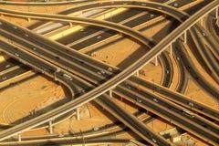 高速公路街市Burj的迪拜路交叉点 阿拉伯联合酋长国 免版税库存照片