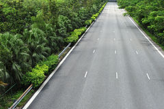 高速公路运输路线开汽车三 库存照片