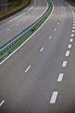 高速公路通过夏时的法国 免版税库存照片