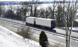 高速公路雪卡车 免版税图库摄影