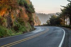 高速公路101在heceta头灯塔的俄勒冈美国 库存图片
