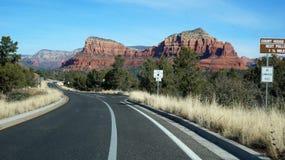 高速公路163通过纪念碑谷,亚利桑那 免版税库存照片