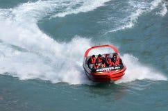 高速喷气机小船乘驾-昆斯敦NZ 免版税图库摄影