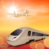 高速火车和飞机在天空 风险轻率冒险日落时间 库存图片