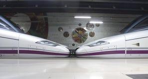 高速火车的机车 免版税库存图片