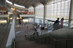 高速火车车站大厅 免版税库存图片