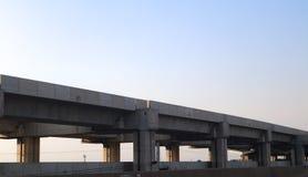 高速现代火车建筑轨道和驻地的公共交通曼谷泰国 图库摄影