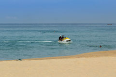 高速船只Karon海滩 免版税库存照片