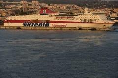 高速轮渡在奇维塔韦基亚,意大利港口  免版税库存图片