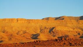 高阿特拉斯山脉在日落的摩洛哥点燃 库存图片
