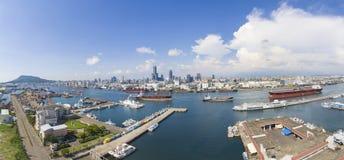 高雄市和港口鸟瞰图  台湾 免版税库存图片