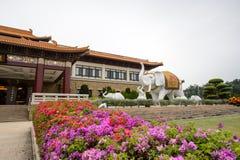 高雄,台湾- 12月1,2017 :大而无用的东西雕象在佛光山菩萨博物馆 免版税图库摄影