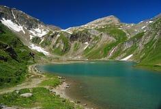 高高山湖在奥地利 库存照片