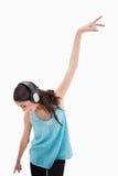 高兴妇女跳舞的纵向 免版税图库摄影