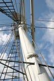 高2帆柱的船 库存照片