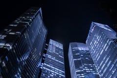 高scyscrapers夜 免版税库存图片