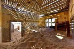 鬼城Kolmanskop,纳米比亚 免版税库存图片