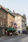 魁北克市加拿大13 09 在圣约翰` s魁北克历史城区联合国科教文组织世界遗产珍宝的街道零件的2017个人生活 免版税库存照片