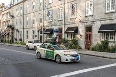 魁北克市加拿大11 09 在魁北克中的市中心的2017条谷歌街视图车汽车apping的街道 库存照片