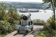魁北克市加拿大11 09 2017年在plaines俯视圣劳伦斯河和吉恩Gaulin精炼厂的亚伯拉罕的大炮 库存图片