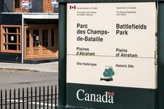 魁北克市,加拿大19 09 2017个入口Sign Champs de巴塔伊National战场停放老魁北克市社论 免版税库存照片