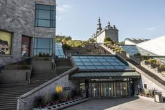 魁北克市,加拿大19 09 2017联合国科教文组织世界遗产名录站点Musee de la Civilisation Historic区入口  库存照片