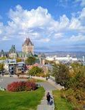 魁北克市,魁北克- 2013年10月12日, :一个年轻游人开始 免版税库存照片