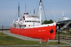 魁北克,小船在L小岛sur mer历史海军博物馆  免版税图库摄影