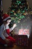 魔术圣诞节礼物 免版税库存图片