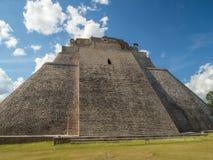 魔术师伟大的金字塔在乌斯马尔考古学站点, touri 免版税库存图片