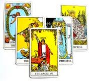 魔术师占卜用的纸牌力量Intelect不可思议的控制白色背景 库存图片